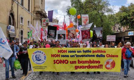 Roma 4 maggio 2014 – il Comitato Verita' e Vita alla Marcia Nazionale per la Vita a Roma