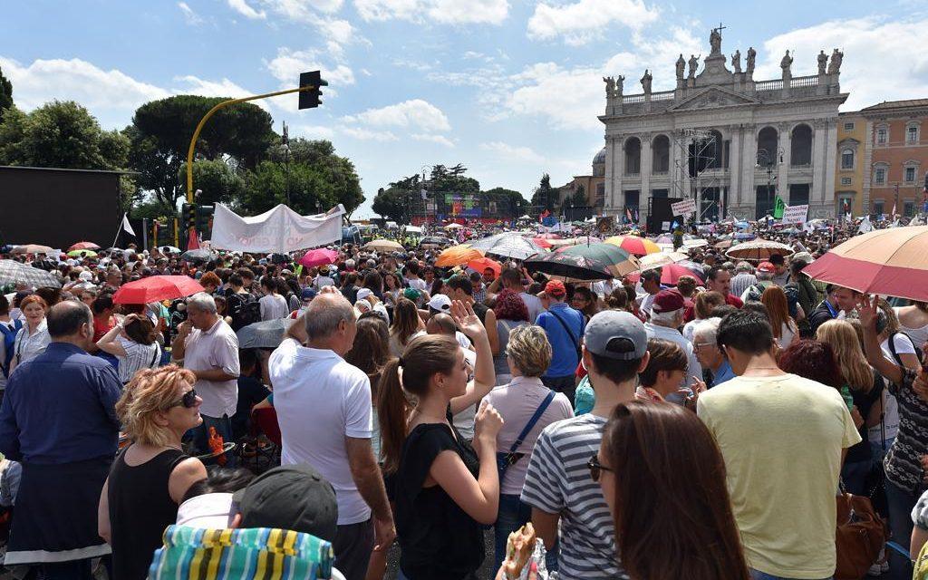 Alla prima prova dei fatti i senatori cattolici ritengono più' importante mantenere la poltrona che obbedire alla propria coscienza ed alle legittime richieste delle famiglie convenute numerosissime a roma sabato 20 giugno 2015